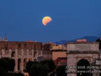 La notte della luna rossa e del pianeta rosso