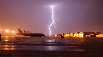 rimborso lightning-659914_960_720