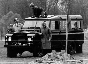 Land Rover foto-3-regina-ElisabettaII