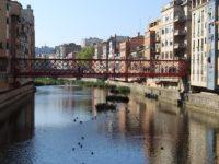 Girona, ponti e case sul fiume Onyar (foto: P. Ricciardi © Mondointasca.it)