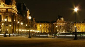 hashtag Louvre-Parigi credit Holidu
