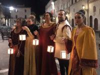 Assisi, figuranti in abiti medievali (foto: C. Guerriero © Mondointasca.it)