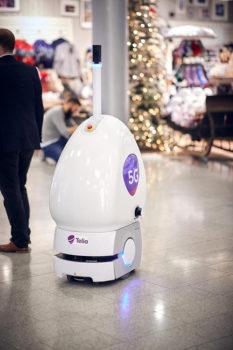 Robot-5G-in-aereoporto,-foto-Finavia-Pasi-Salminen