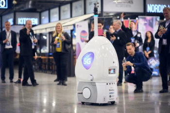 Robot I-primi-passi-del-robot,-foto-Finavia-Pasi-Salminen
