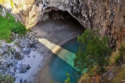 escursioni Calabria-spiaggia-arcomagno