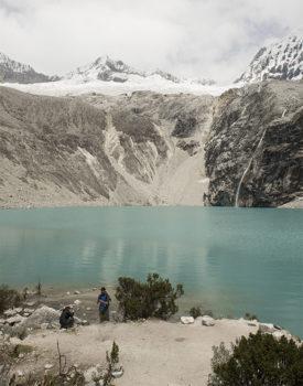 PromPerù ©PromPerù-Laguna-69-y-Nevado-Chacraraju-en-el-Parque-Nacional-Huascarán