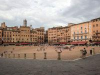 Siena Piazza del Campo (crediti: Luoghi di Interesse)