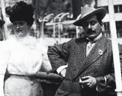 Giacomo Puccini con la-moglie-Elvira-Bonturi