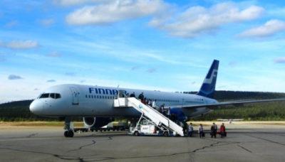 Lapponia finlandese aereo-Finnair-sulla-pista-dell'aeroporto-di-Ivalo,-foto-G