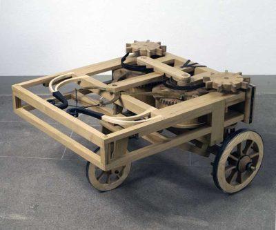 """Leonardo da Vinci: Visions Modello del carro semovente o """"automobile"""" di Leonardo"""