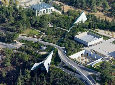 Terra Santa 1 Memoriale-Yad-Vashem-foto-aerea-Andrew-Shiva-Wikipedia