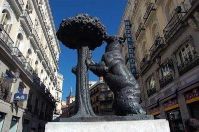Erasmus Statua-dell'Orso-e-del-Corbezzolo-foto-Pazit-Polak