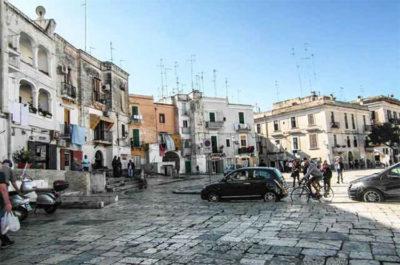 Bari vecchia Arco Basso