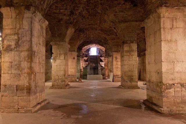 Trono di Spade Palazzo Diocleziano foto-Ballota