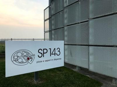 SP 143 esterno