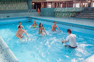 mantenere la linea ginnastica in acqua