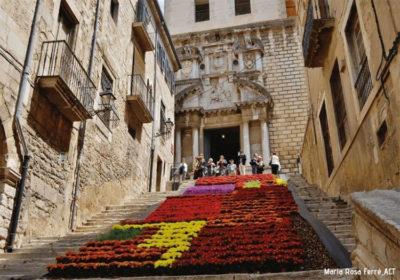 Girona-si-riempie-di-fiori-fino-al-19-maggio