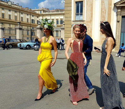 Villa Reale Monza Modelle che sfilano (Foto: P. Gamba © Mondointasca.it)