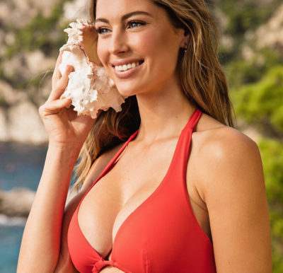 miglior sito web a3834 0034e Donne curvy: vivere il mare e la spiaggia completamente a ...