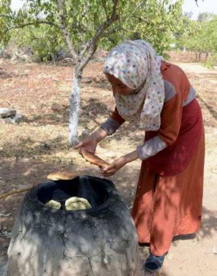 Cucina tunisina Zaghouan-Pain-tabouna