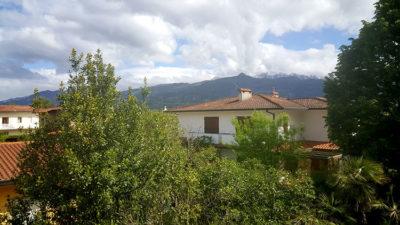 la-Casa-del-Forte-con-vista-sulle-Alpi-Apuane