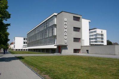 Bauhausgebäude von Südwesten, Walter Gropius, Dessau, 1926