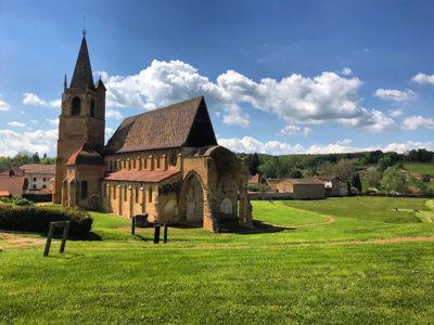 L'abbazia di La Bénisson Dieu (Ph. D. Bragaglia ©Mondointasca.it)