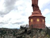 Puy en Velay, la statua di Notre Dame de France sul Rocher Corneille (Ph. D. Bragaglia ©Mondointasca.it)