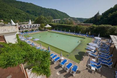 la grande piscina termale © Mondointasca.it