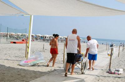 Tutti al mare Insieme-a-te respiriamo-un-pò (foto: P. Ricciardi © Mondointasca.it)