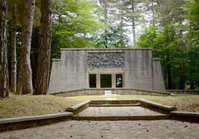 Parco in mezzo al mare Sentiero-del-Brigante,-Mausoleo di Garibaldi