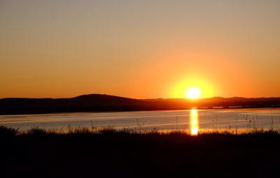 Il tramonto visto dalla spiaggia di Carré Mer (foto: d. bragaglia© mondointasca.it)