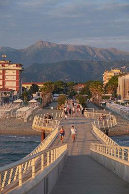 Viareggio Lido di Camaiore il pontile (foto © emilio dati – mondointasca.it)
