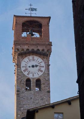 Lucca Torre delle Ore (foto: © emilio dati - Mondointasca.it)