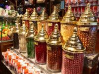 Barattoli di caramelle e confetti (ph. c. guerriero © mondointasca.it)