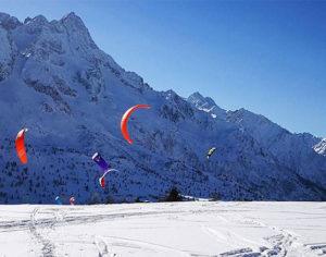 Snowkite, l'equivalente del kitesurf al mare