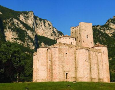 Basilica-San-Vittore-delle-Chiuse