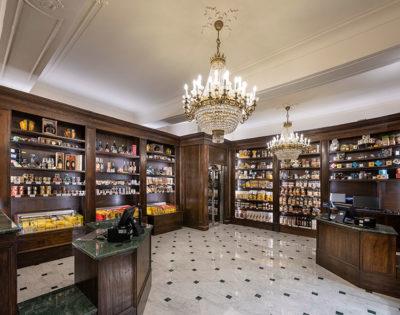 negozio Biraghi-Piazza-San-Carlo-Torino-La-Farmacia-Gambarova