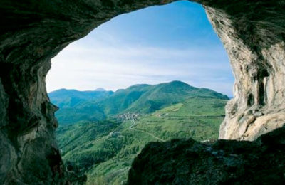 Parco-regionale-della-Gola-delle-Rossa-e-di-Frasassi