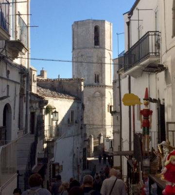 Monte Sant'Angelo via-che-porta-al-santuario