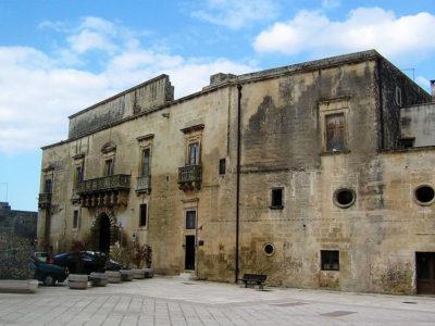 Caprarica-di-Lecce-Palazzo-Baronale