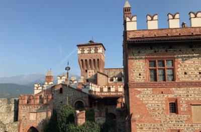 Castello-di-Pavone-Canavese-hotel-e-ristorante