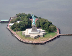 Liberty Island (ph. Sidvics)