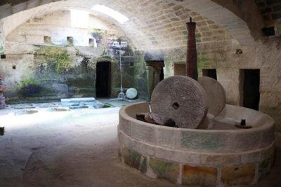 Vecchio-frantoio-ipogeo-di-Caprarica