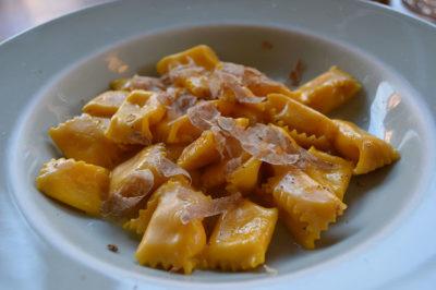 agnolotti-di-fonduta-con-tartufo-bianco-d'Asti