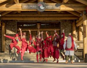 Babbo Natale con la squadra degli elfi