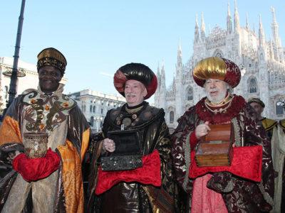 La-benedizione-dei-Magi-in-piazza-Duomo
