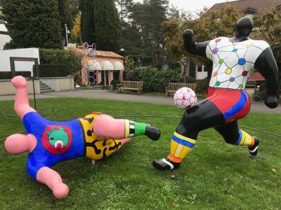 Museo-Olimpico-I-giocatori-di-calcio_di-Niki-de-Saint-Phalle