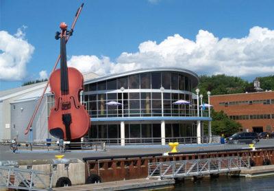 Sydney-Violino-piu-grande-al-mondo