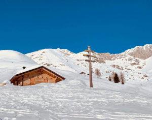 Il candore della neve in una valle baciata dal sole (foto: federica gögele © mondointasca.it)